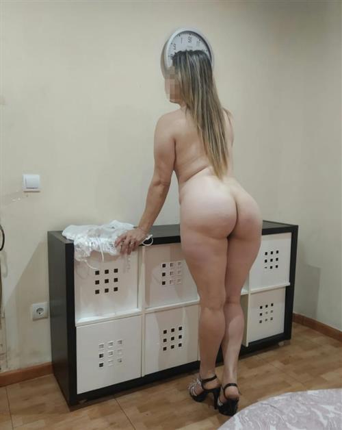 Xecce, 31 años, puta en Palencia fotos reales