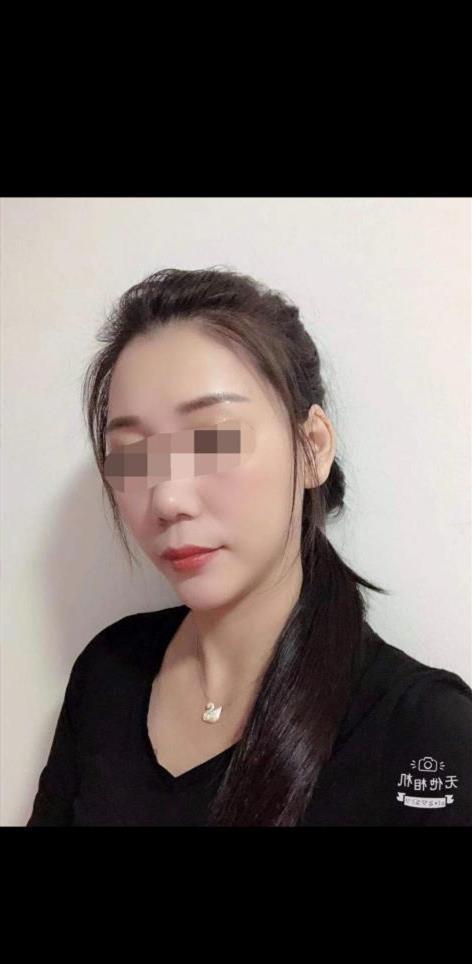 Yuanqing, 19 años, puta en Toledo fotos reales